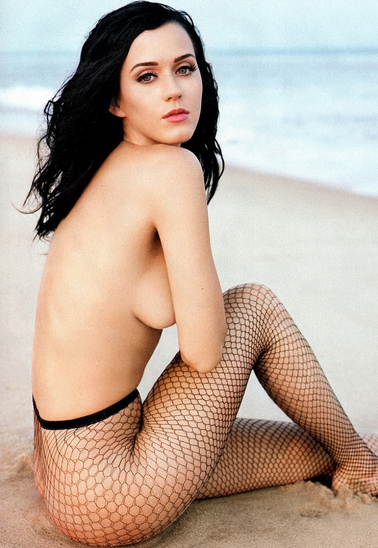 sarah michelle gellar fully naked