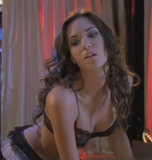 Odette Yustman nude